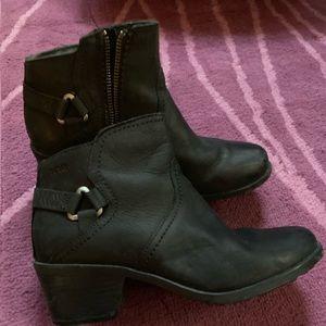 Teva waterproof leather booties